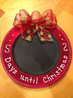 Christmas Charger Plate - Days until Christmas. Days Until Christmas, Winter Christmas, All Things Christmas, Christmas Holidays, Christmas Sayings, Rustic Christmas, Christmas Art, Christmas Ideas, Christmas Ornaments