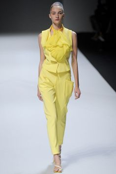 Issey Miyake Spring 2012 Ready-to-Wear Fashion Show