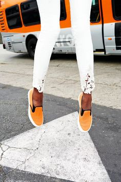 SPRING LOOK: CROCHET DENIM + BRIGHT SNEAKERS - Le Fashion