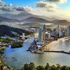Camboriú ao  amanhecer - Santa Catarina - Brasil