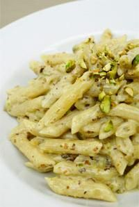 Pasta with Pistachio Sauce.The meaty and mildly sweet pistachio nut is the feature of this deliciously creamy sauce. Using penne rigate, this was no doubt our 1 choice for the 2010 contest. Penne, Pistachio Recipes, Pistachio Cream, Pistachio Butter, Lemon Cream, Cream Sauce Pasta, Creamy Sauce, Pasta Recipes, Sauces