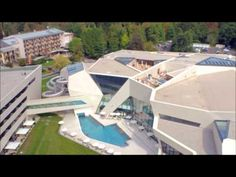 Noclegi w Austri, tania rezerwacja Holiday Service, Hot Springs, Austria, Skiing, Spa, Mansions, House Styles, Outdoor Decor, Warm Bathroom