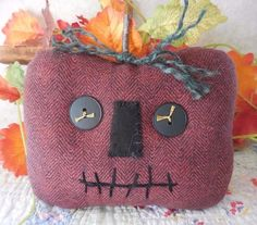 Primitive Halloween Jack-O-Lantern Spooky Pillow Tuck Flannel Fabric Pumpkin #NaivePrimitive #auntiemeowsprims