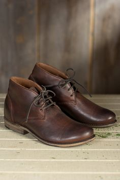 Men's Walk-Over Vaughn Leather Chukka Boots by Overland Sheepskin Co. (style 51700)