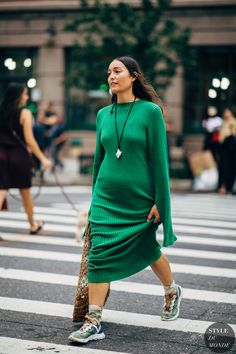 New York SS 2019 Street Style: Rachael Wang Archives Select Month September 2019 August 2019 July 2019 June 2019 May 2019 April 2019 March 2019 February 2019 January 2019 Dece Fall Outfits, Casual Outfits, Fashion Outfits, Womens Fashion, Urban Fashion, Street Fashion, Fashion Mode, Edgy Style, Style Me