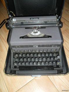 Vintage Royal QUIET De LUXE TYPEWRITER MAGIC MARGIN 2 TONE Portable Works Case