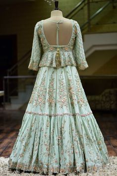 Designer Bridal Lehenga, Indian Bridal Lehenga, Lehenga Choli Designs, Rajasthani Dress, Trendy Dresses, Trendy Outfits, Embroidery Dress, Zardozi Embroidery, Green Lehenga