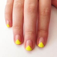 Neon Triangles on your Nails