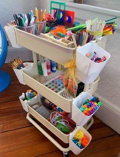 Schreibtisch ikea Order in the playroom: craft cart for children Nestling Order in the playroom: cra Ikea Hacks, Ikea Hack Storage, Kids Storage, Storage Ideas, Storage Design, Diy Design, Design Ideas, Playroom Furniture, Diy Furniture