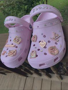 Crocs Fashion, Sneakers Fashion, Fashion Shoes, Crocs Shoes, Shoes Sneakers, Shoes Heels, New Flame, Aesthetic Shoes, Fresh Shoes
