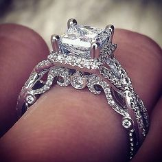 Princess cut Verragio.. This ring would be perfect if it was yellow gold