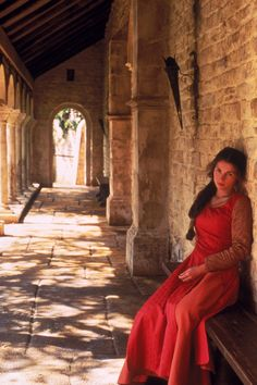 Guinevere - Julia Ormond in First Knight, set in the late 5th / early 6th century (1995).