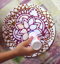 Paper Rangoli, Beautiful! from Mommy Labs Art Projects For Teens, Crafts For Teens, Art For Kids, Mandalas For Kids, Thinking Day, Plate Crafts, India Art, Indian Crafts, Classroom Crafts