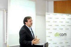Álvaro Bordas, director de Comunicación y Relaciones Institucionales de Danone, durante su intervención en el taller de Dircom Castilla y León.