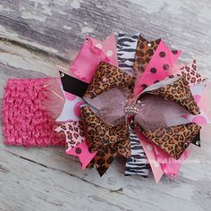 We are pretty much obsessed with big hair bows over here