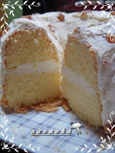 Cake Cafe, My Coffee Shop, Japanese Sweets, Food Hacks, Vanilla Cake, Baked Goods, Bread Recipes, Food And Drink, Dishes