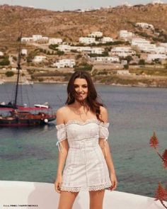 Chic Outfits, Fashion Outfits, African Prom Dresses, Turkish Fashion, Hande Ercel, Bollywood Girls, Cute Girl Face, Brunette Girl, Celebrity Look