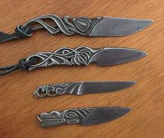 Pretty Knives, Cool Knives, Knives And Tools, Knives And Swords, Tactical Pocket Knife, Tactical Knives, Knife Stand, La Forge, Forged Knife