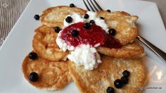 Havrepannkakor-vvsmartmat-smartpoints-viktväktarna-keso-mättandedag-sylt Ww Recipes, Healthy Recipes, 400 Calorie Meals, Bread Cake, Recipe For Mom, No Bake Desserts, Lchf, Waffles, Protein
