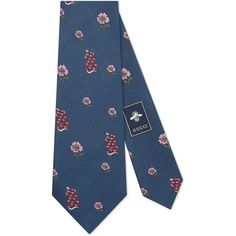 Gucci Snakes And Flowers Patterns Ilk Tie (3,625 MXN) ❤ liked on Polyvore featuring men's fashion, men's accessories, men's neckwear, ties, accessories, blue, men, mens floral ties, mens silk ties and mens blue tie