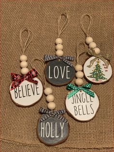 Wooden Christmas Decorations, Beaded Christmas Ornaments, Easy Christmas Crafts, Simple Christmas, Christmas Holidays, Diy Ornaments, Homemade Christmas Gifts, Cricut Projects Christmas, Halloween Decorations