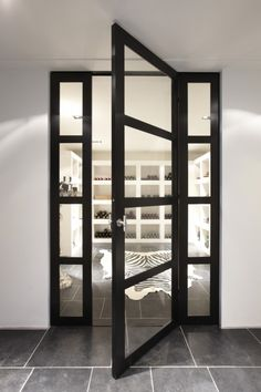 The Bod'or KTM collection constitutes a range of unique doors, from basic to iconic, completed with a choice from various opening and closing systems, plus the right trimmings, and high-quality locks and hinges. Interior Windows, Interior And Exterior, Interior Design, Steel Frame Doors, Front Door Design, Unique Doors, Black Doors, Windows And Doors, Interior Inspiration