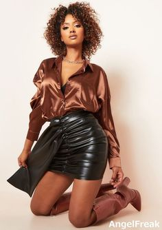 Sexy Blouse, Blouse And Skirt, Body Con Skirt, Sexy Skirt, Bra Lingerie, Leather Material, Bra Sizes, Vegan Leather, Joggers