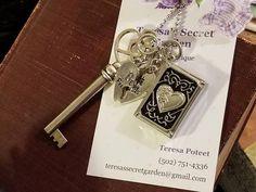Heart Swirl Skeleton Key/Photo Locket/Best Friends Charms/Plus Free Surprise Gifts