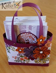 Into The Woods Designer Series Paper used to create cute gift tote with four matching Birdie Note cards and envelopes. Gift Tote cased from Crafty Hallett. Boxes And Bows, Paper Purse, Make Your Own Card, Card Boxes, Paper Boxes, Paper Crafts, Diy Crafts, Circle Punch, Bird Cards