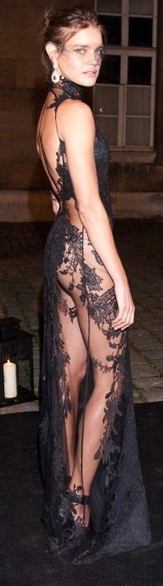 Natalia vodianova, lace gown
