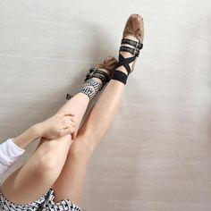 Sezona damgasını vuran en popüler balerin babetleri MosModa'dan takip edin! https://www.mosmoda.com.tr/balerin-babetler #mosmoda #balletshoes #balletflats #miumiu