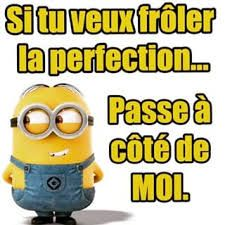 Passe a coté de moi Funny Picture Quotes, Funny Pictures, Funny Facts, Funny Jokes, Minion Humour, Minion 2, Citation Minion, Bff, Image Fun