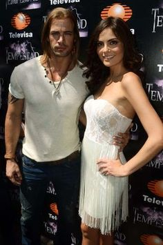 William Levy's 'La Tempestad' Telenovela News Update: William Levy and Ximena Navarrete Take 16 Hours on a Kissing Scene : TV & Series : Latinos Post