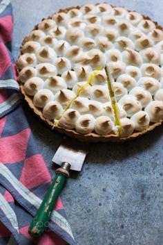 This pineapple tart has a coconut oil cookie crust, a smooth filling made of pineapple juice, and is topped with light and tender Italian meringue. Pineapple Pie Recipes, Pineapple Tart, Tart Recipes, Cooking Recipes, Coconut Oil Cookies, Easy Desserts, Dessert Recipes, Lemon Filling, Beautiful Desserts