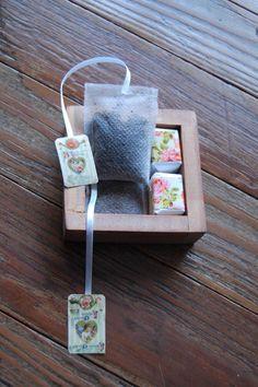 Saquitos de Té artesanales, hechos de friselina, rellenos de té en hebras y cosidos a máquina. Se puede hacer rellenos de café o yerba mate. Se puede...