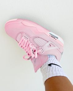 Jordan Shoes Girls, Girls Shoes, Cute Sneakers, Shoes Sneakers, Zapatillas Nike Jordan, Nike Air Shoes, Nike Shoes Outlet, Aesthetic Shoes, Baskets