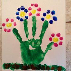 50 Spring Crafts for Kids / Preschoolers & Toddlers to make this season of new beginnings - Hike n Dip Spring Toddler Crafts, Summer Crafts For Toddlers, Art For Kids, Crafts Toddlers, Garden Crafts For Kids, Hand Crafts For Kids, Painting Crafts For Kids, Spring Arts And Crafts, Toddler Arts And Crafts