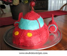 Little Einsteins rocket cake