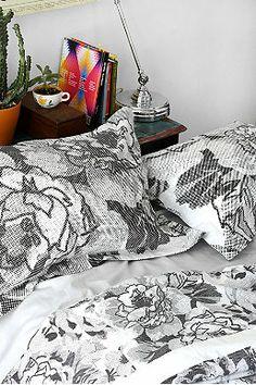 Graphic Garden Pillow Case Set in Monochrome