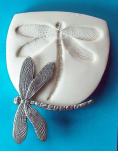 Dragonfly-insect-2-1-4w-x-2-1-8h-inch-58x53mm-CNS-polymer-clay-art-mold