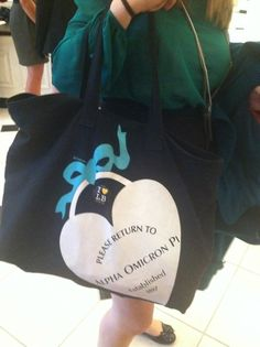 Oh my lanta! Tiffany's blue shirts with this heart on them please!!!!!