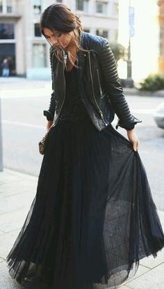street-style-saia-longa-preta-e-jaqueta-de-couro