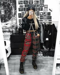 25 Fashion Grunge To Wear Asap # punk Fashion 25 Fashion Grunge To Wear Asap Mode Swag, Mode Emo, Mode Punk, Indie Outfits, Edgy Outfits, Retro Outfits, Cute Casual Outfits, Cute Grunge Outfits, Hipster Outfits