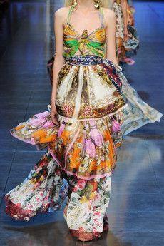 D  Tiered printed silk maxi dress