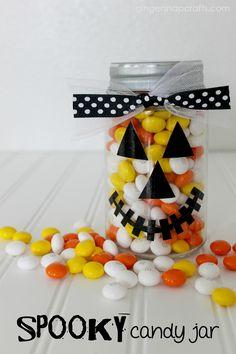10 Simple Ideas for Halloween Halloween Mason Jars, Easy Halloween, Spooky Halloween, Halloween Treats, Halloween Decorations, Jar Crafts, Crafts For Kids, Tree Crafts, Spooky Treats