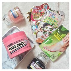 Not looking forward to waking up at 5am tomorrow 😫#pamper #cream #skincare #skin #lush #ocean #scrub #facemask #face #mask #7thheaven #slave2beauty #slaytheflatlay #igbeauty #beauty #beautyblogger #beautyblog #beautyaddict #beautycare #bblog #bblogger #bbloggersuk #night #me #coffee #lifestyle #lblogger #soapandglory #yankee