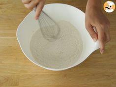Gâteau basque, la recette expliquée en détails, Recette Ptitchef Serving Bowls, Icing, The Incredibles, Plates, Basque Cake, Tableware, Desserts, Recipes, Food