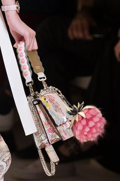 Fendi at Milan Fashion Week Spring 2017 - Details Runway Photos