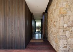 Wolveridge Architects have designed the Mt Martha Beach House, a home for a young family in Melbourne, Australia. Stone Cladding Exterior, House Cladding, Stone Facade, Facade House, Sandstone Cladding, House Paint Exterior, Exterior Design, Colonial Exterior, Modern Exterior