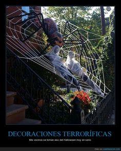 DECORACIONES TERRORÍFICAS - Mis vecinos se toman eso del Halloween muy en serio